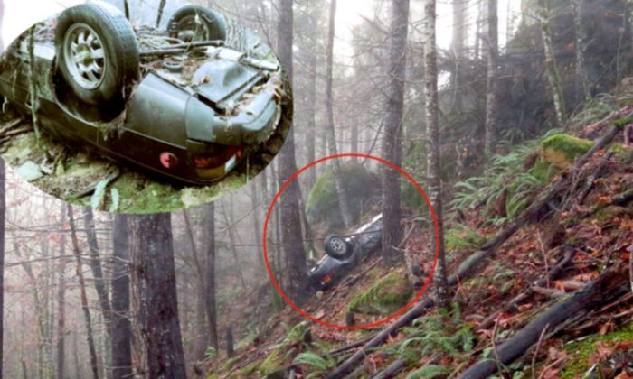 A Porsche 924 stolen 27 years ago was found on its roof at the bottom of a cliff in Oregon woods on Nov. 28, 2017. (Jackson County Sheriff's Office)