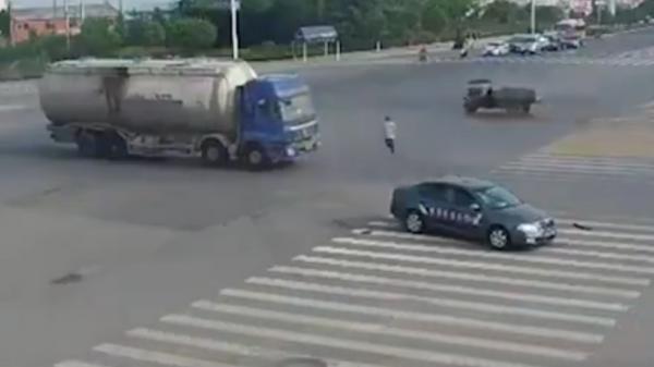 Rickshaw crash