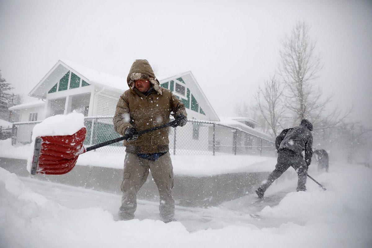 Heavy snow in denver 1