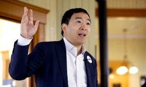 Andrew Yang Defends $1000 a Month Giveaway: 'This Is Perfectly Legal'