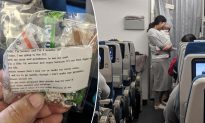 Mom Hands Out 200 Bags of Candy and Ear Plugs to Flight Passengers in Case Her Baby Cries