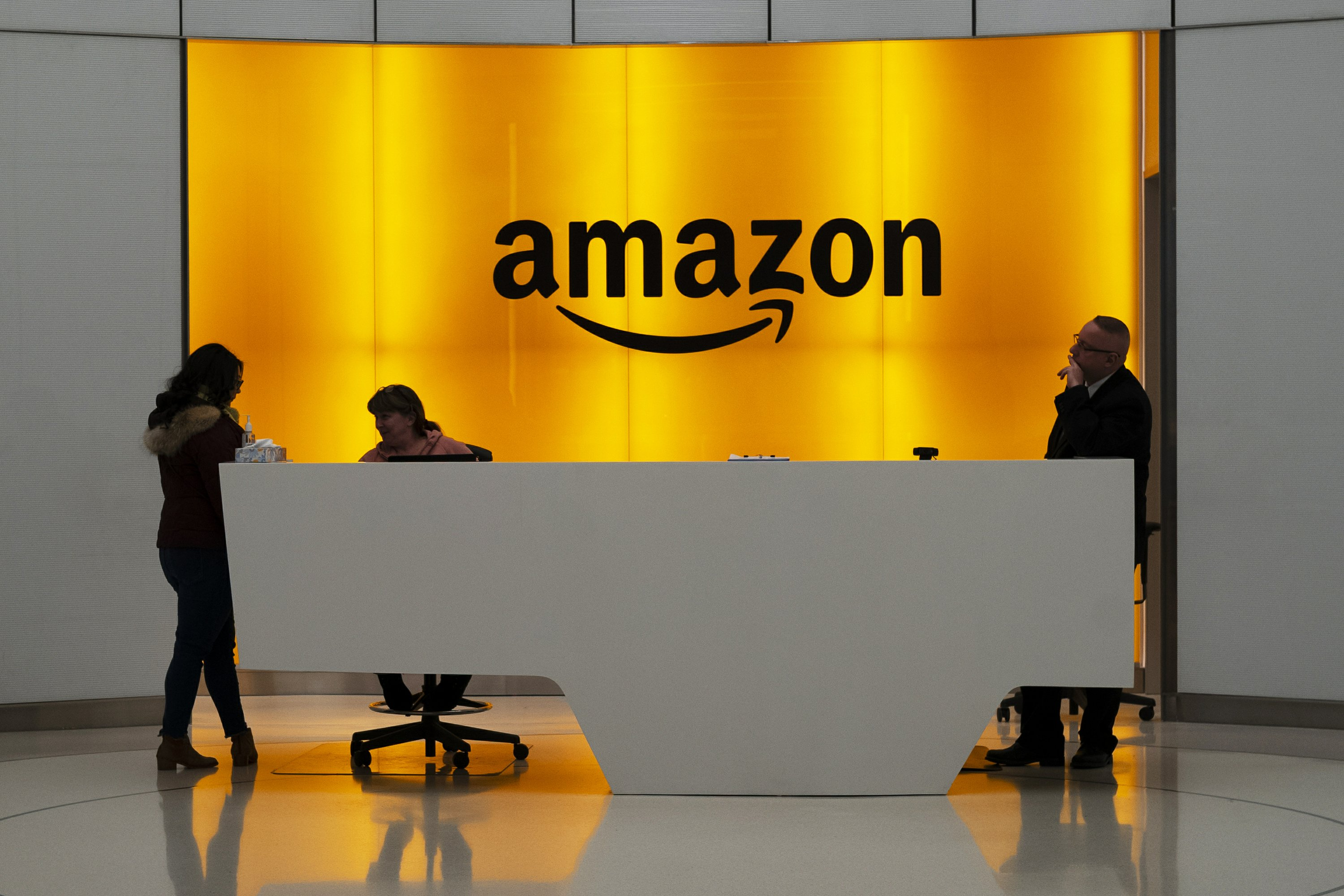 Amazon Follows Facebook to Expand in NYC After Earlier Pullout
