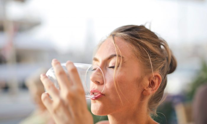 Feeling hungry? Drink up. Staying hydrated can help your body shed pounds and keep you from eating as much. (Pexels)