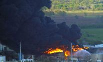 Fire at Texas Storage Facility Briefly Flares Up