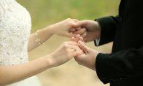 Bride Surprises Groom by Wearing Wedding Dress at His Beloved Mother's Grave
