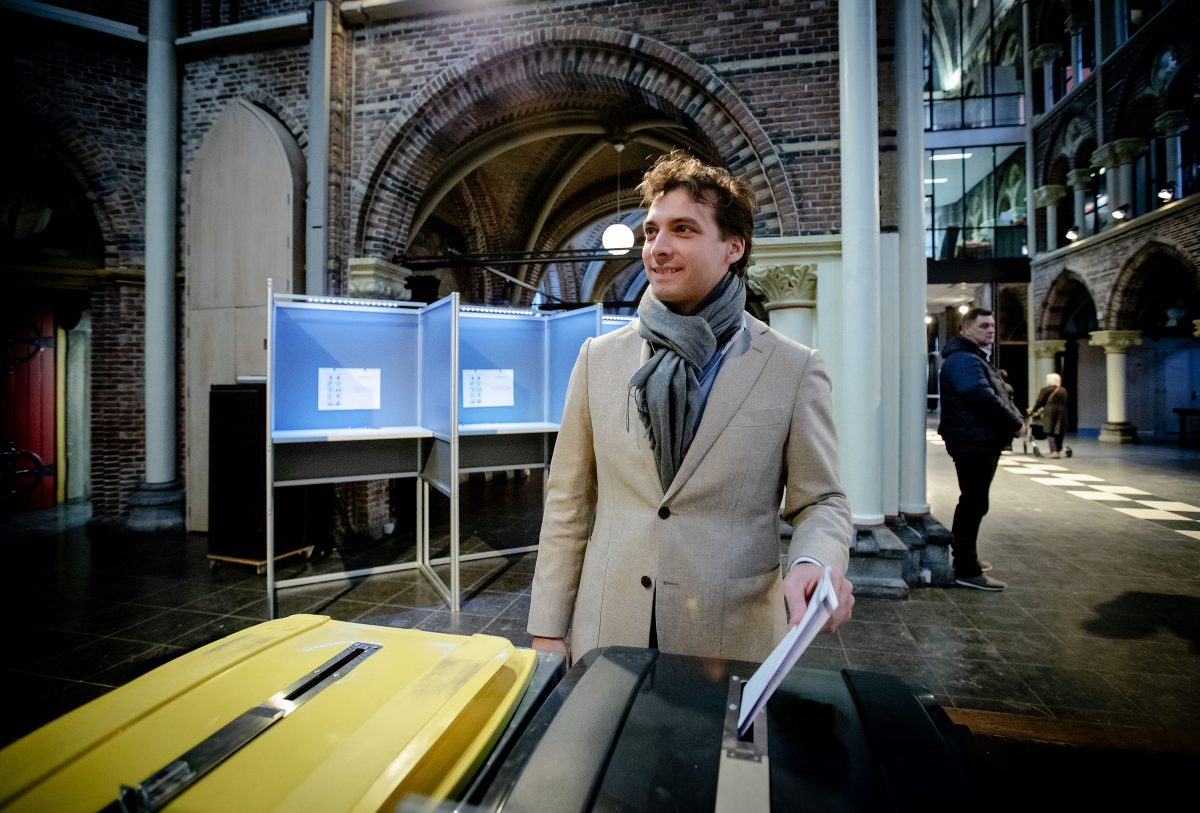 Forum for Democracy party leader Thierry Baudet casts his ballot