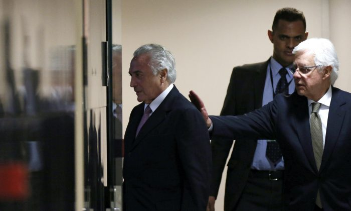 Former Brazil's President Michel Temer (L) and former Minister of the General Secretary of the Presidency of Brazil, Wellington Moreira Franco in Brasilia, Brazil, on July 11, 2017. (Adriano Machado/Reuters)