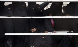 Mob of ISIS Brides Attacks Guards at Refugee Camp in Syria