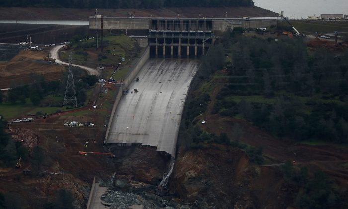 A view of of the heavily damaged spillway at Lake Oroville on April 11, 2017 in Oroville, Calif. on April 11, 2017. (Photo by Justin Sullivan/Getty Images)