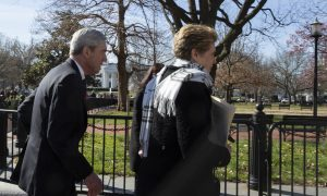 Mueller Goes to Church Next to White House as Washington Awaits Report