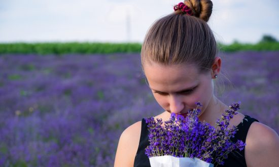 7 Healing Uses for Lavender Essential Oil