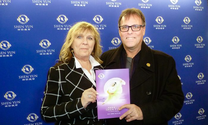 Canadian Radio Host Moved to Tears by Shen Yun