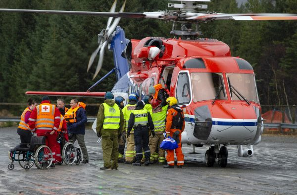 passengers helped with helicopter