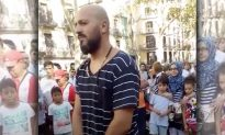 Man Stands at Barcelona Terror Attack Spot for Hours for a Special Purpose