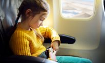 Flight Attendant Assists a Little Diabetic Girl Struggling with Panic Attack on Flight