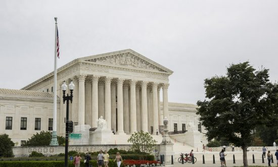 Supreme Court Seems Open to Limiting Federal Regulation of Water Pollution