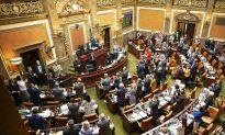 Utah Bans Abortions After 18 Weeks, Teeing up Legal Showdown