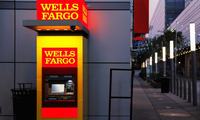 A Wells Fargo ATM machine is shown in L.A., Calif., on Oct. 19, 2018. (Mike Blake/File Photo via Reuters)