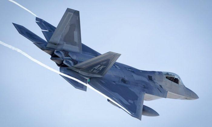 An F-22 Raptor in Alaska (Facebook/3rd Wing @JBER3WG - USAF)