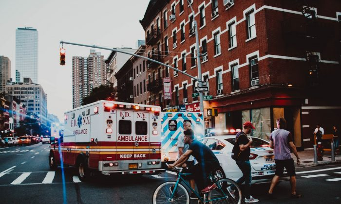 A stock photo of an ambulance. (Benjamin Voros / Unsplash)