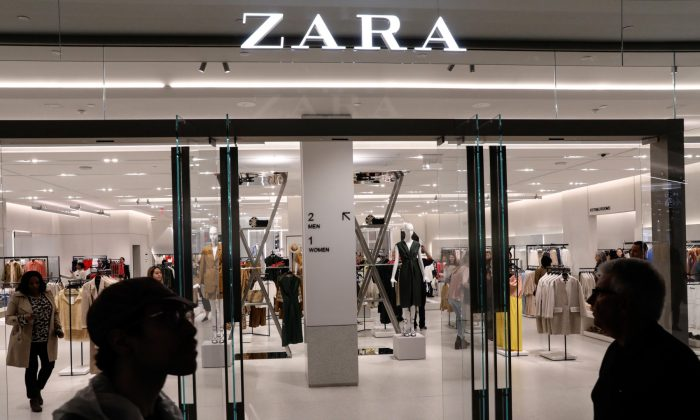 People shop at a Zara store during the grand opening of The Hudson Yards development, a residential, commercial, and retail space on Manhattan's West side in N.Y.C., N.Y., on March 15, 2019. (Brendan McDermid via Reuters)