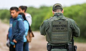 Border Patrol Agent Fires Back, Kills Gunman in New Mexico