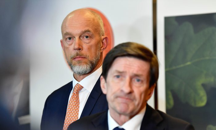 Swedbank's Acting CEO Anders Karlsson and Chairman of the Board Lars Idermark attend a news conference in connection with Swedbank's Annual General Meeting in Stockholm, Sweden March 28, 2019. TT News Agency/Henrik Montgomery/via REUTERS  ATTENTION EDITORS - THIS IMAGE WAS PROVIDED BY A THIRD PARTY. SWEDEN OUT. NO COMMERCIAL OR EDITORIAL SALES IN SWEDEN.
