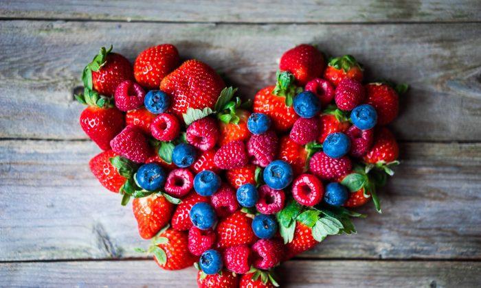 Berries for healthy heart (Alena Haurylik/Shutterstock)