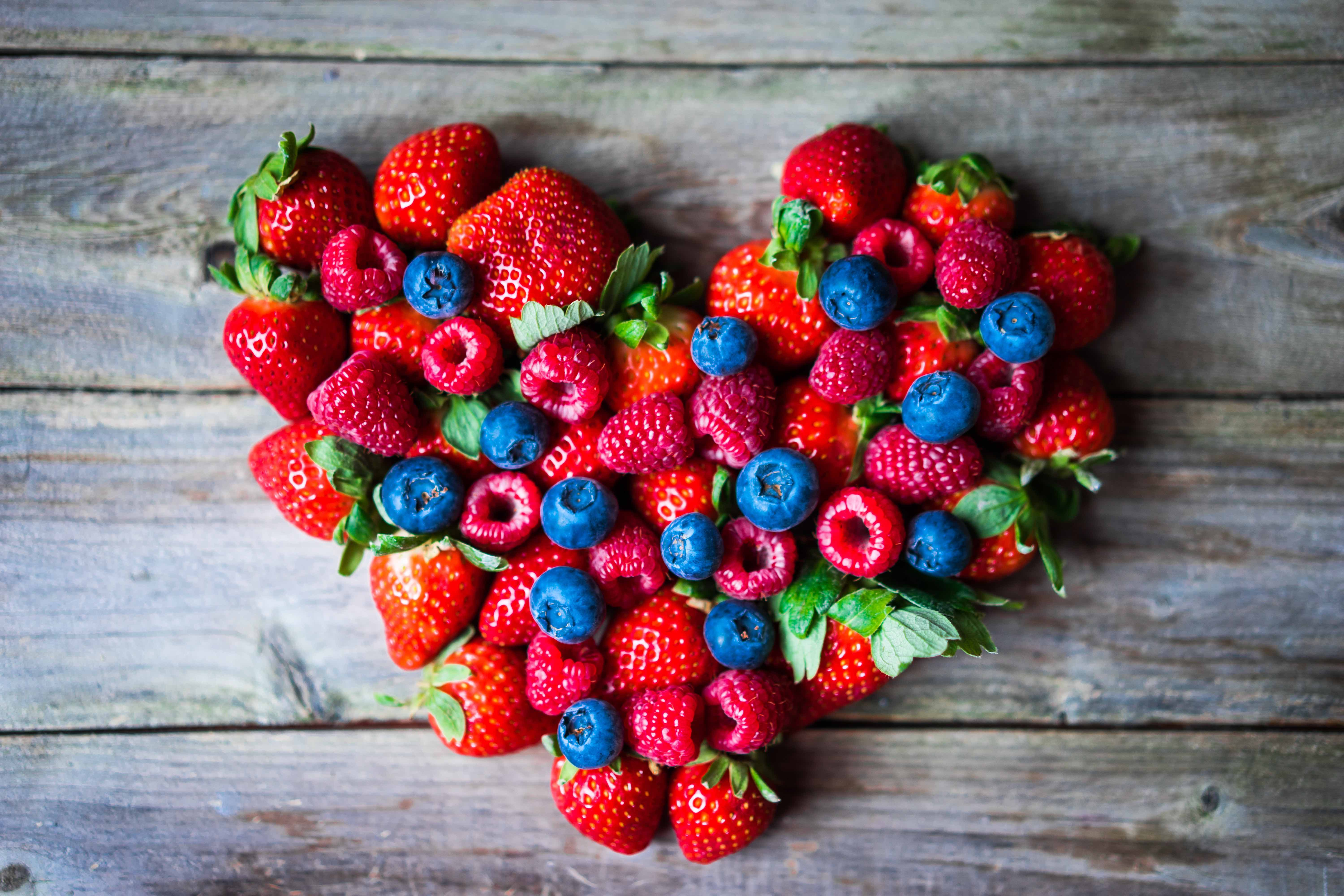 14 Heart Disease Risk Reduction Foods–Is Your Heart Working Overdrive Due to Clogged Arteries?