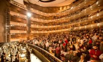 The Beauty of Shen Yun's Art and Important Mission