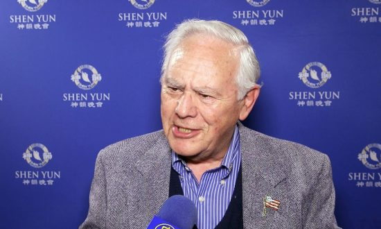 Businessman and Author Humbled by Experience of Watching Shen Yun