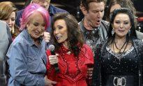 Loretta Lynn Sings With Friends at Birthday Concert