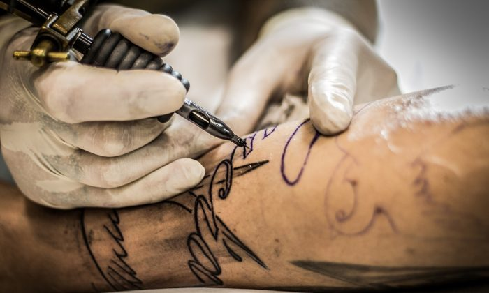 File photo of a tattoo being etched into someone's skin. (Pixabay)