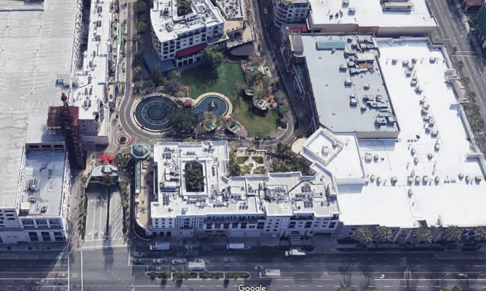 American Brand shopping mall in Los Angeles. (Screenshot/Googlemaps)