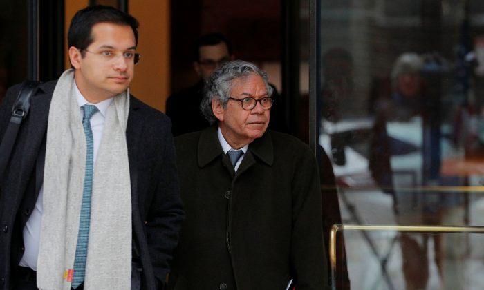 John Kapoor, the billionaire founder of Insys Therapeutics Inc., leaves the federal courthouse during the trial accusing Insys executives of a wide-ranging scheme to bribe doctors to prescribe an addictive opioid medication, in Boston, Mass., on March 13, 2019. (Reuters/Brian Snyder)