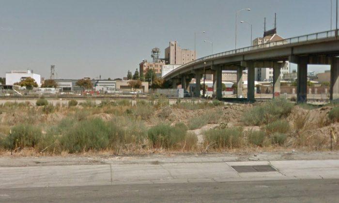 The Stanislaus Street Bridge over the railway in Fresno, California. (Screenshot/Googlemaps)