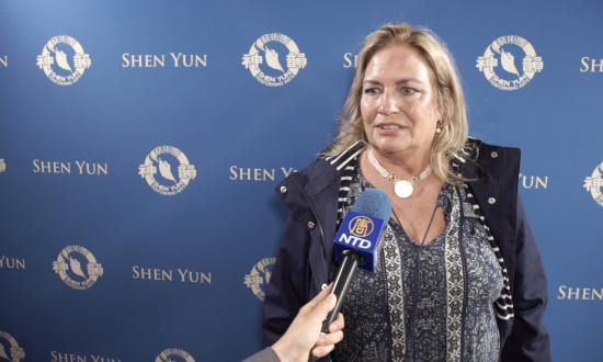 Resort Owner Amazed by Shen Yun Dancers' Skill