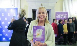 Shen Yun Mesmerizing and Inspiring for Professor