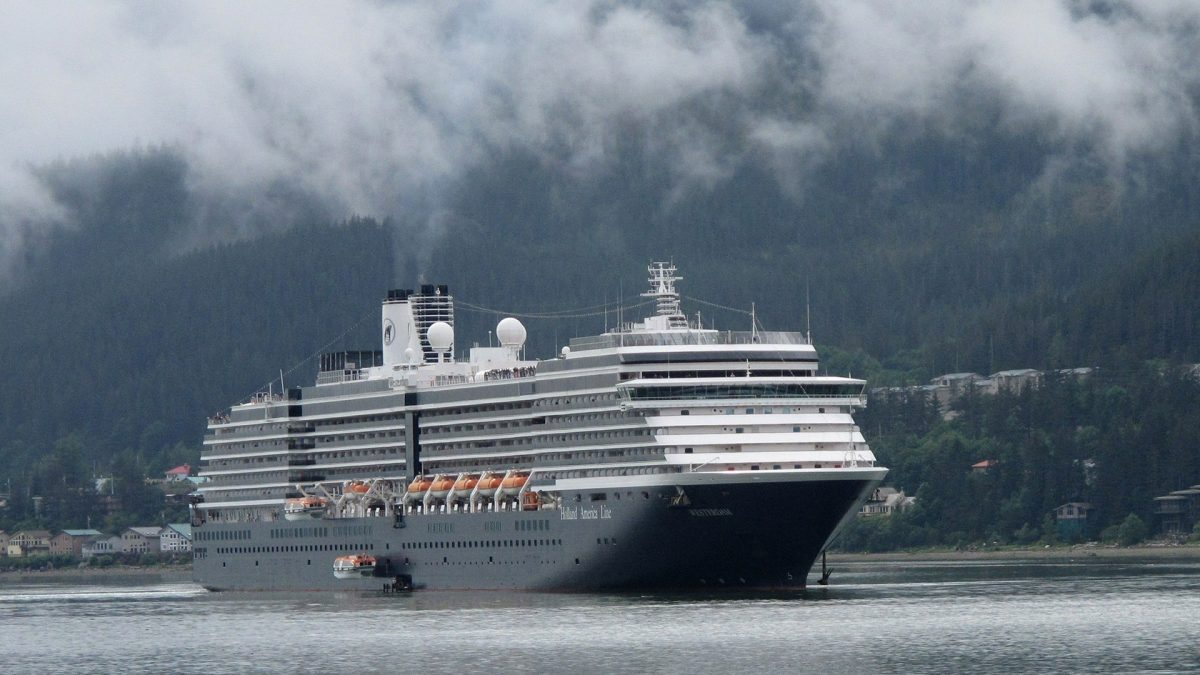 Holland America Cruise Ship With 189 Sick Passengers...