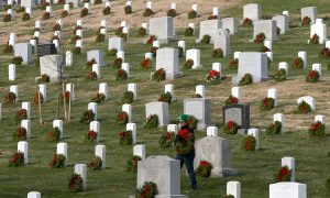 US Lawmakers Honor Soldiers and Their Families on Memorial Day