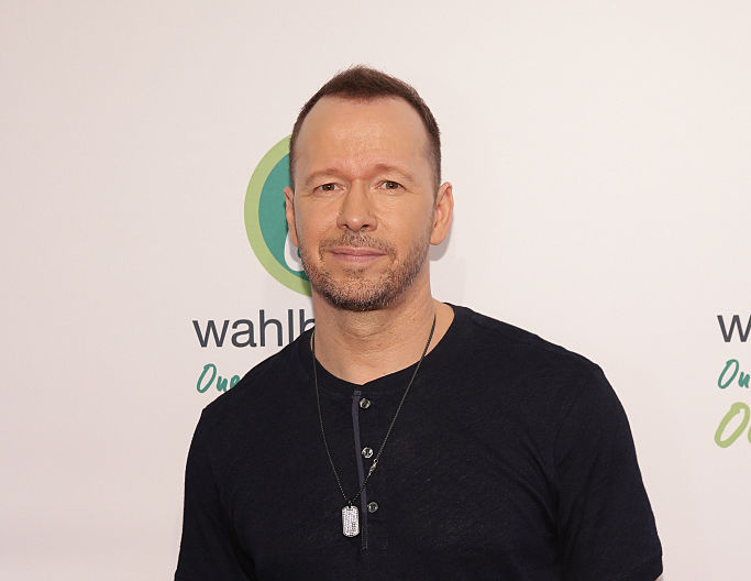 Struggling Waitress 'Almost Has a Heart Attack' When Donnie Wahlberg Gives Her Huge Tip