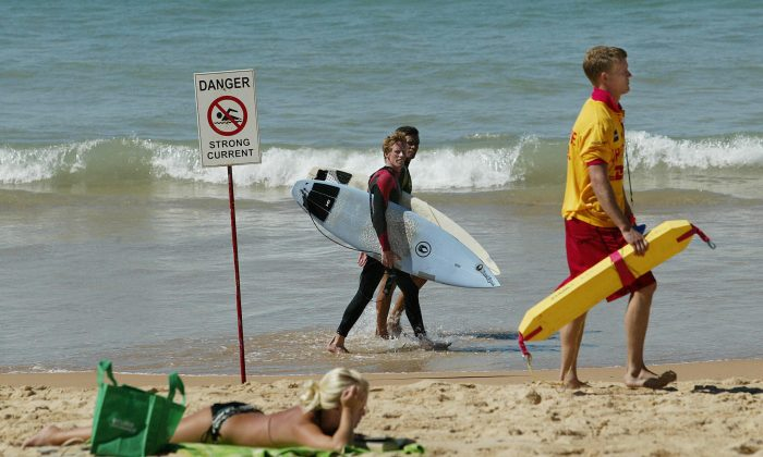 A stock photo of a beach warning (Rob Elliot/AFP/Getty Images)