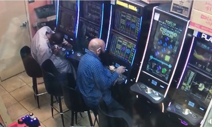 Police are looking for a suspect accused of breaking into a gambling machine and stealing thousands of dollars in Atlanta, Ga., on April 6, 2016. (Crime Stoppers Greater Atlanta)