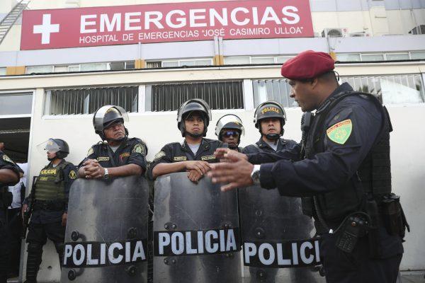 Riot gear police peru 1