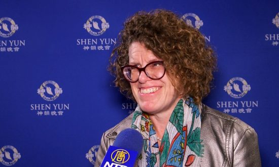SVP Says Shen Yun Merges Ancient Traditions With the Modern World
