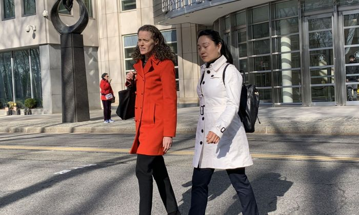 Ying Lin (R), a former Air China manager, walked out of the federal court in Brooklyn, New York City together with her attorney on April 17, 2019. (Cai Rong/Epoch Times)