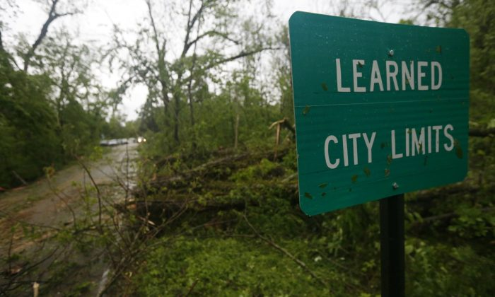Fallen trees line the roads leading into the small community of Learned, Miss., on April 18, 2019. (Rogelio V. Solis/Photo via AP)