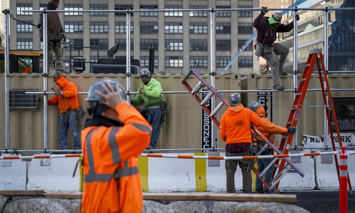 Workers work at the Hudson Yards development site on the West Side of Midtown Manhattan on March 12, 2019. (Drew Angerer/Getty Images)