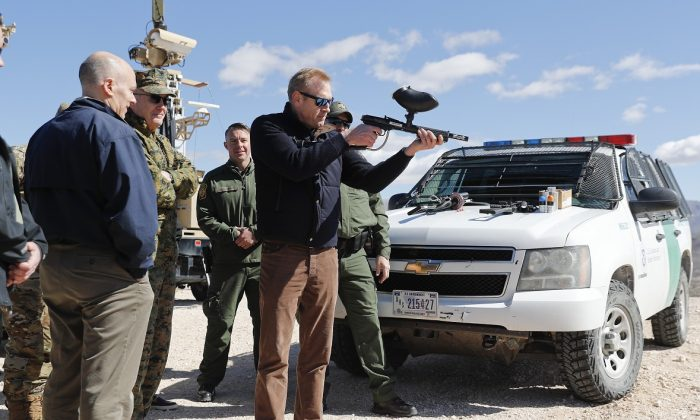 Two US soldiers were questioned by Mexican troops earlier this month while conducting a surveillance operation on the US side of the southern border, two US defense officials tell CNN, on April 19, 2019.(Pablo Martinez Monsivais/AP)