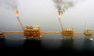 US to End Iran Oil Waivers, Aims to Squeeze Tehran's Exports to Zero